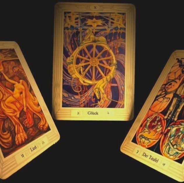 три карты в магии гадания