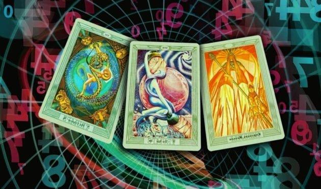 волшебство карт Таро