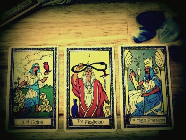 3 карты Таро в гадании